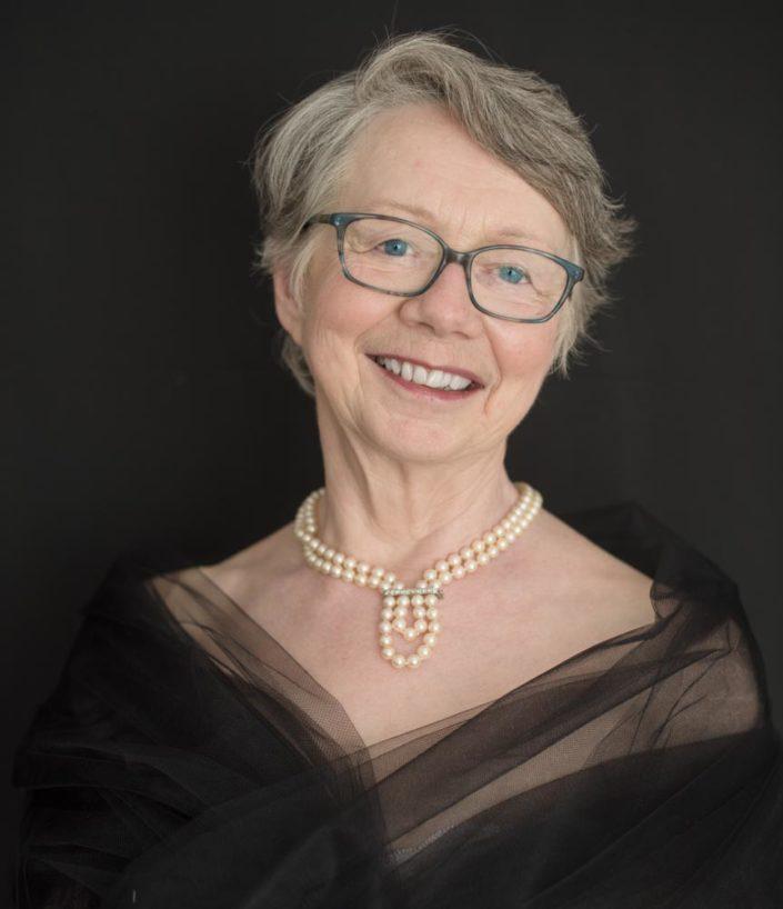 portrait femme 75 ans