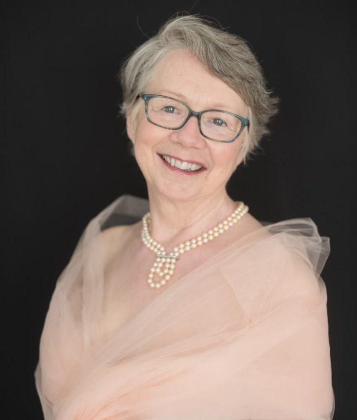 portrait femme 60 ans