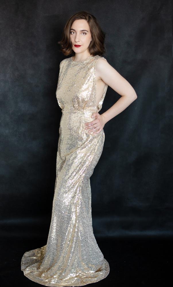portrait femme studio robe paillettes